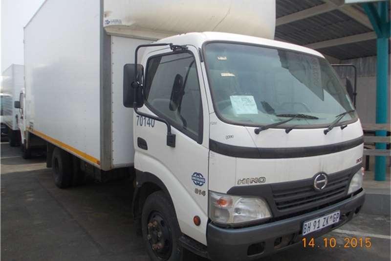 Hino Volume body TOYOTA HINO 300 Truck