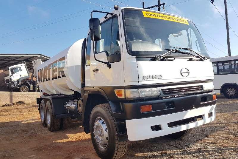 Truck Hino Water Tanker Hino 25-307 2010