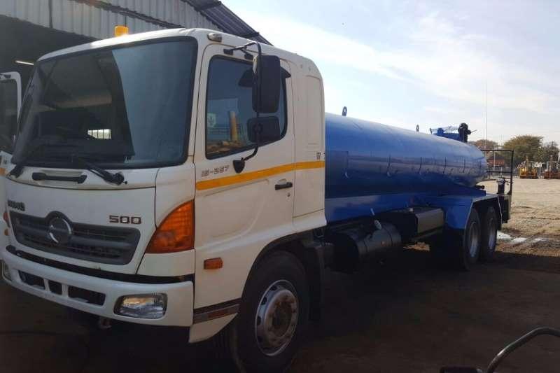 Truck Hino Water Tanker Hino 500 15-257 2008