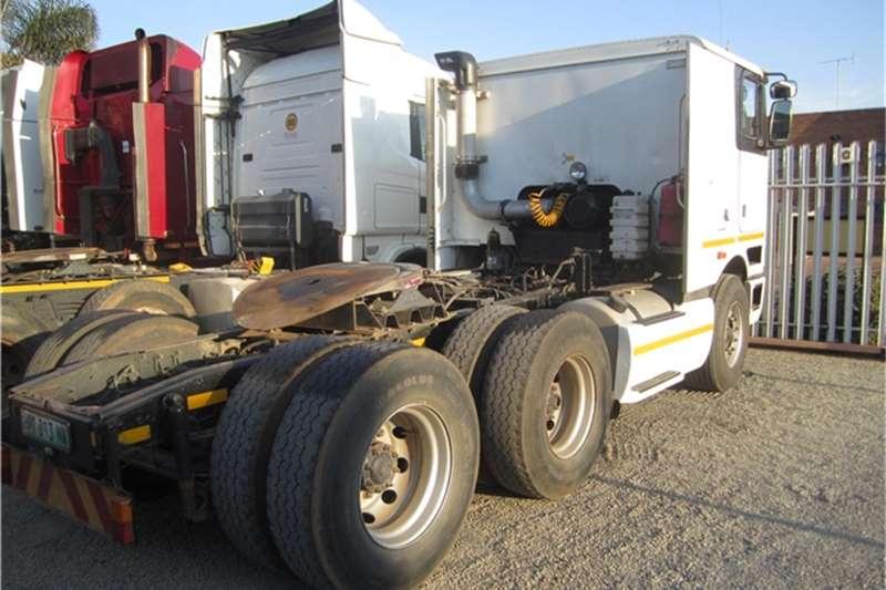 International 9800i Truck