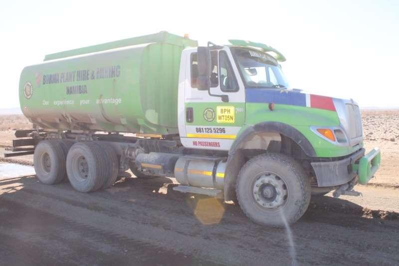 International Water tanker 7600 Water Tanker Truck