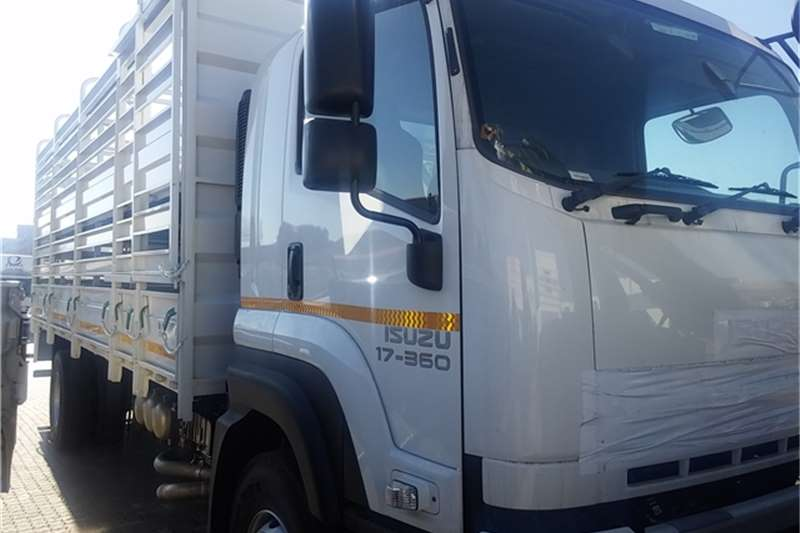Isuzu Cattle body FXR 17-360 Auto Cattle  Truck