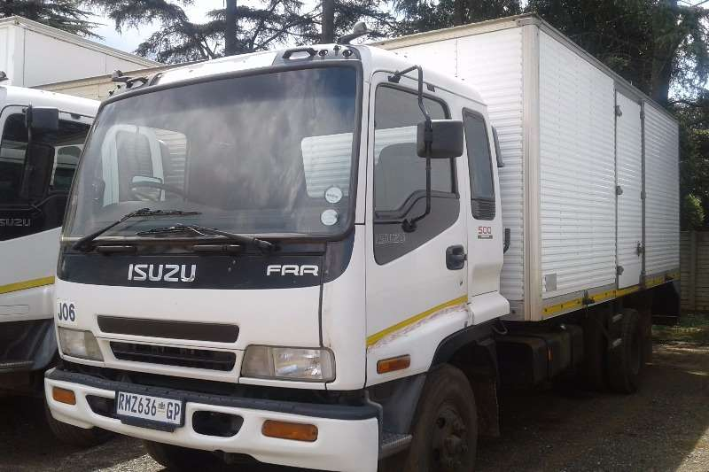 Isuzu Closed body 2006 Isuzu FRR 500 Van Body Truck