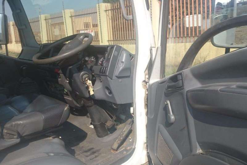 Isuzu Closed body 400 Truck