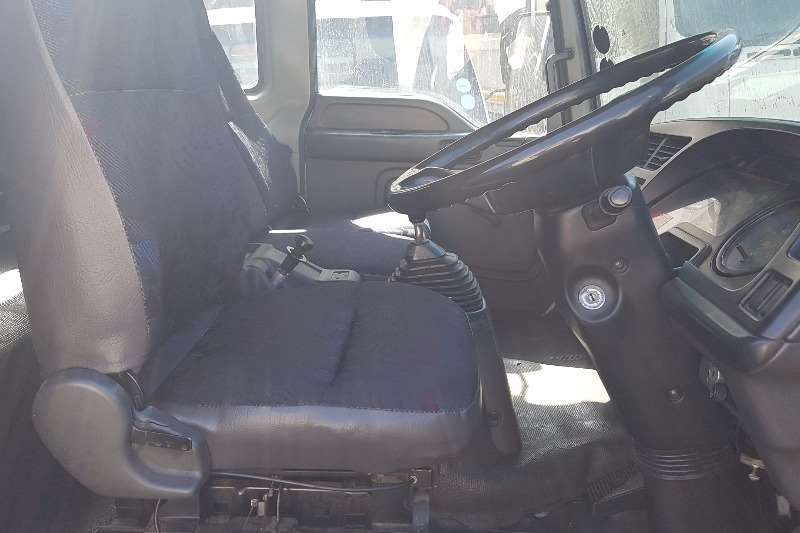 Isuzu Closed body FRR500 Truck