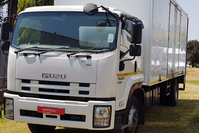 Isuzu Closed body FTR 850 AMT Truck