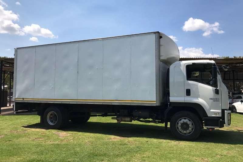 Isuzu Closed body FTR AMT 850 Truck