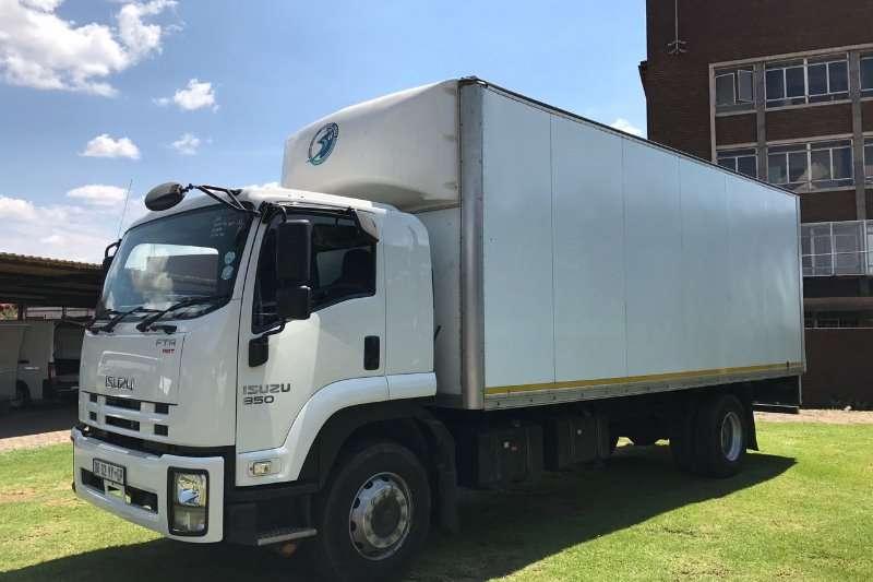 Isuzu Closed body FTR850 AMT Truck