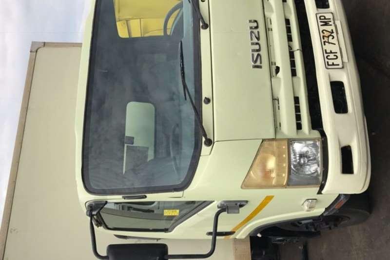 Truck Isuzu Closed Body NPR300 0
