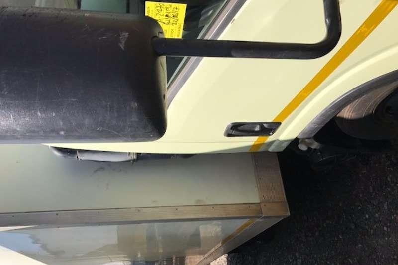 Isuzu Closed body NPR300 Truck