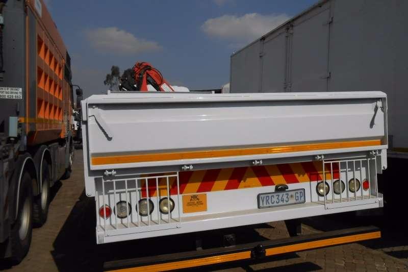 Isuzu Crane truck ISUZU NPR400 DROPSIDE WITH BON 4500 CRANE Truck