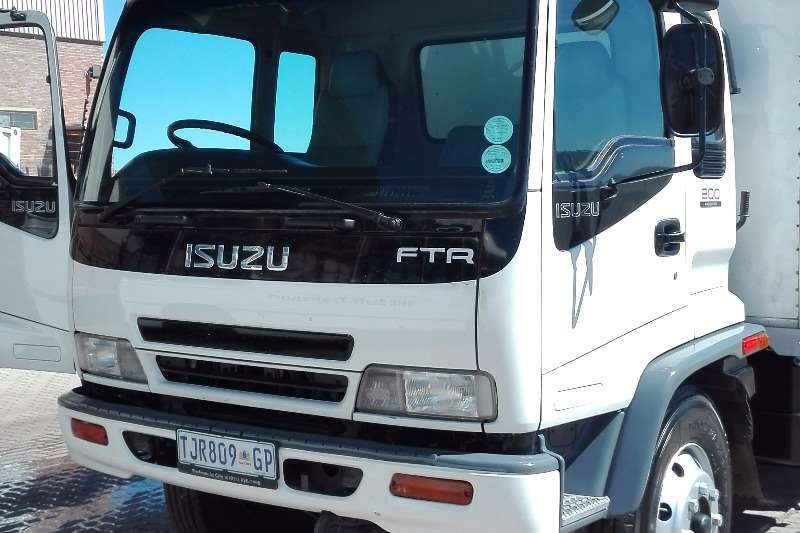 Truck Isuzu Curtain Side FTR800 2006