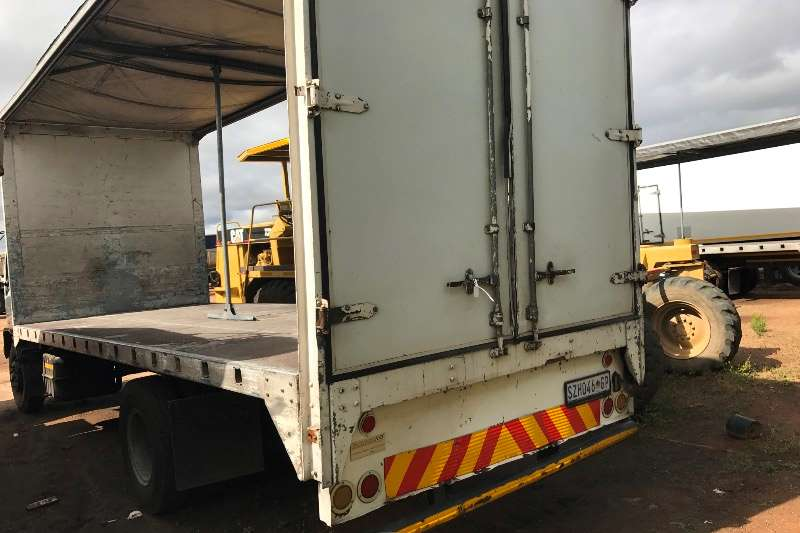 Isuzu Curtain side FTR800 TAUTLINER Truck