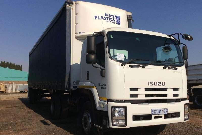 Truck Isuzu Curtain Side FTR850 Truck with Curtain Side Trailer 2012