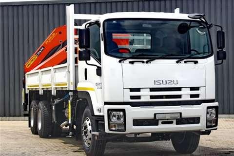 Isuzu Curtain side FVM 1200 Truck