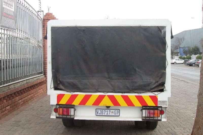 Isuzu Curtain side NPR300 Truck