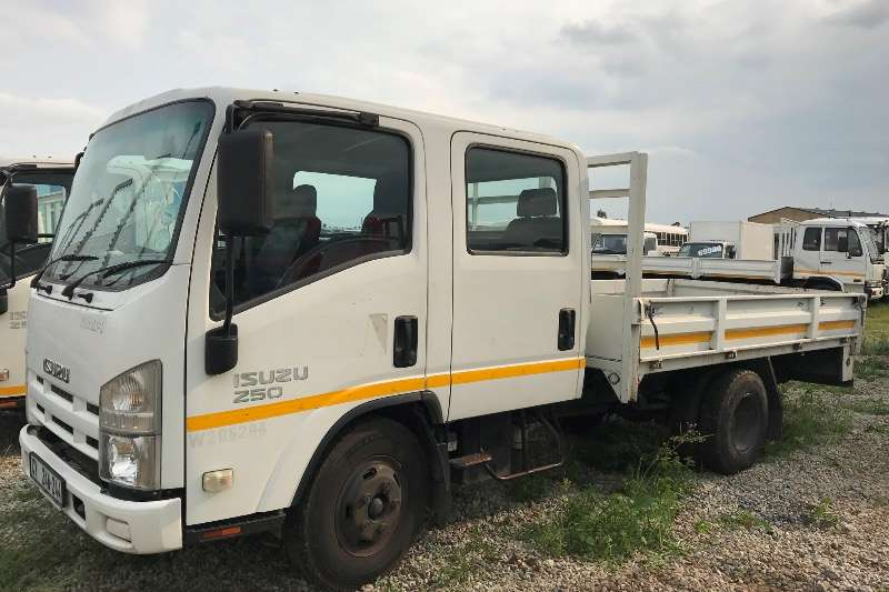 Isuzu Dropside CREW CAB DOUBLE CAB TRUCK 6 SEATER Truck