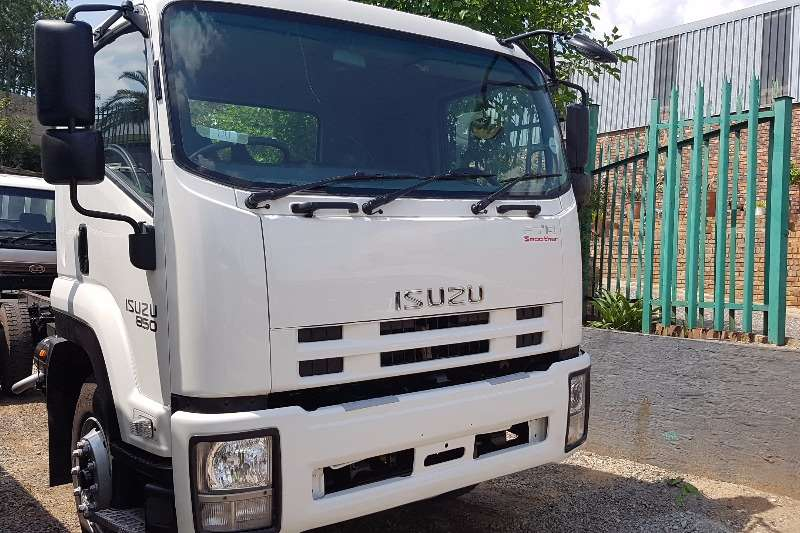 Isuzu Dropside FTR850 AMT Truck