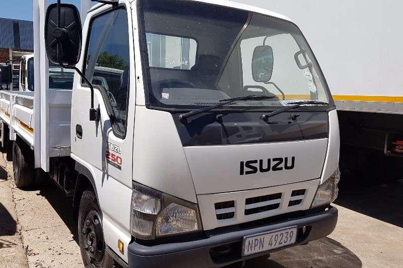 Truck Isuzu Dropside NKR250 2007