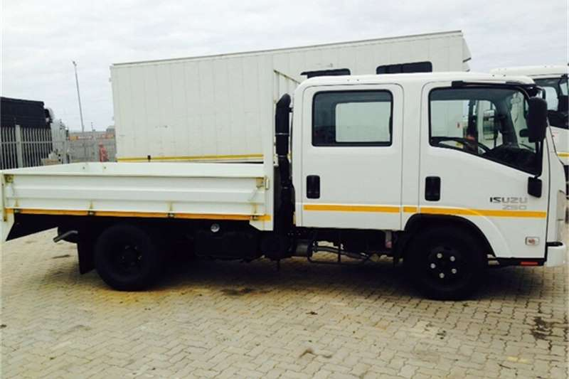 Isuzu Dropside NMR 250 Crew Cab AMT Truck