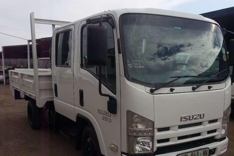 Isuzu Dropside NMR 250 D/C Truck