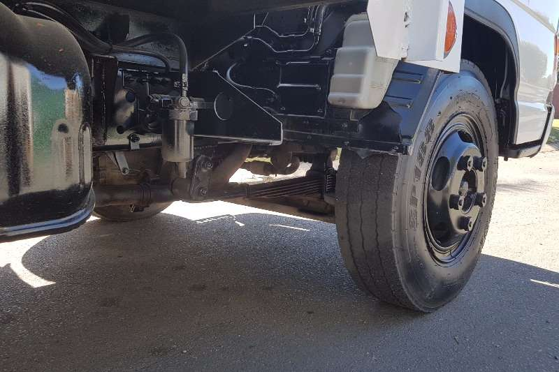 Isuzu Dropside NPR300 Truck