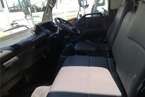 Isuzu Dropside NPR400 Truck