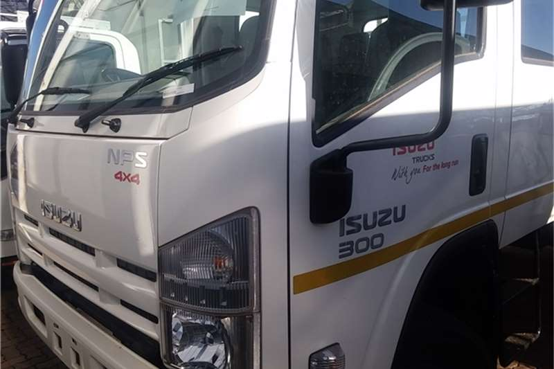 Isuzu Dropside NPS 300 4x4 Crew Dropside Demo Truck