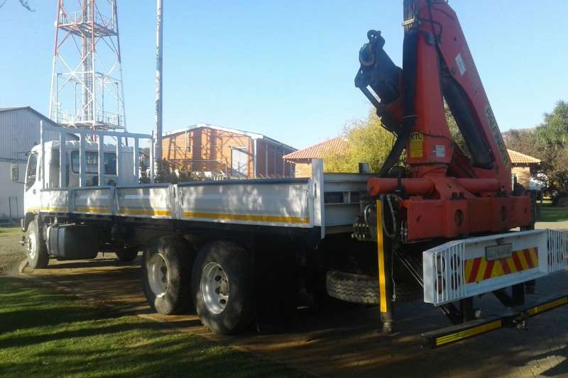 Isuzu Dropside With Palfinger PK15-500 Rear mounted Crane Truck
