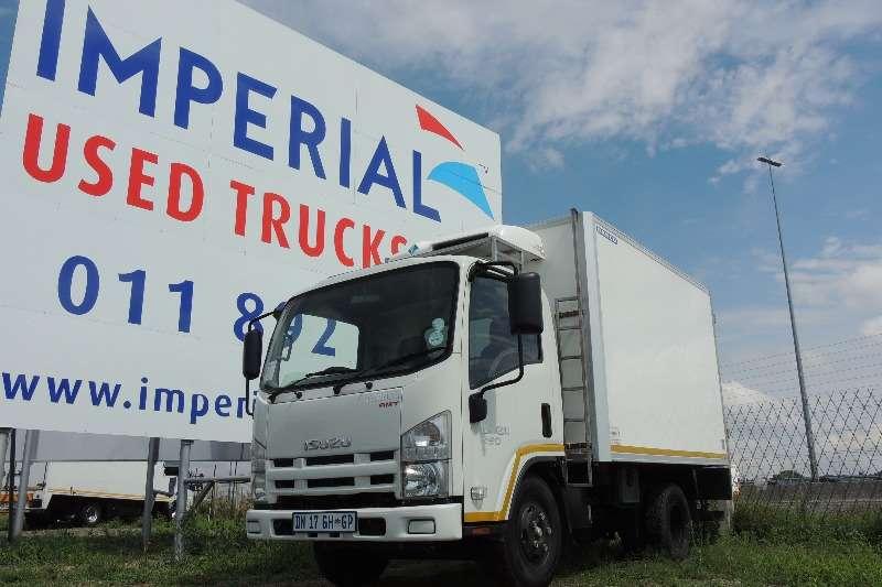 Truck Isuzu Fridge Truck NMR 250 AMT 2015
