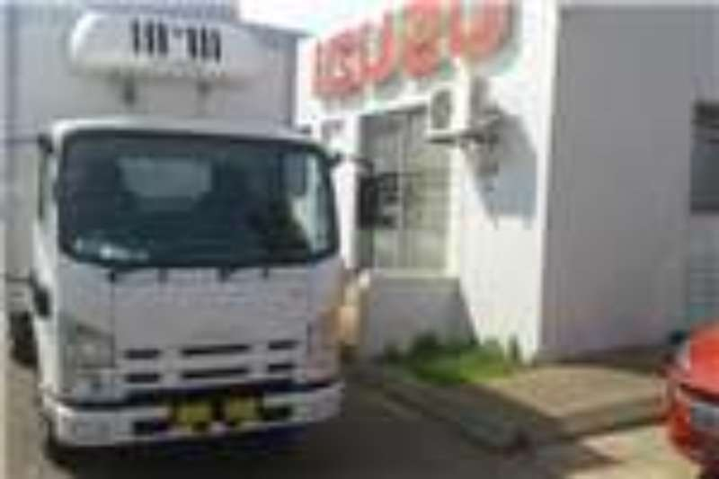 Isuzu Fridge truck NMR 250 Manual Truck