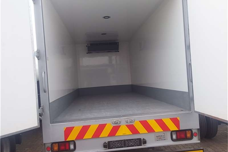 Isuzu Fridge truck NPR 400 AMT - Fridge Truck