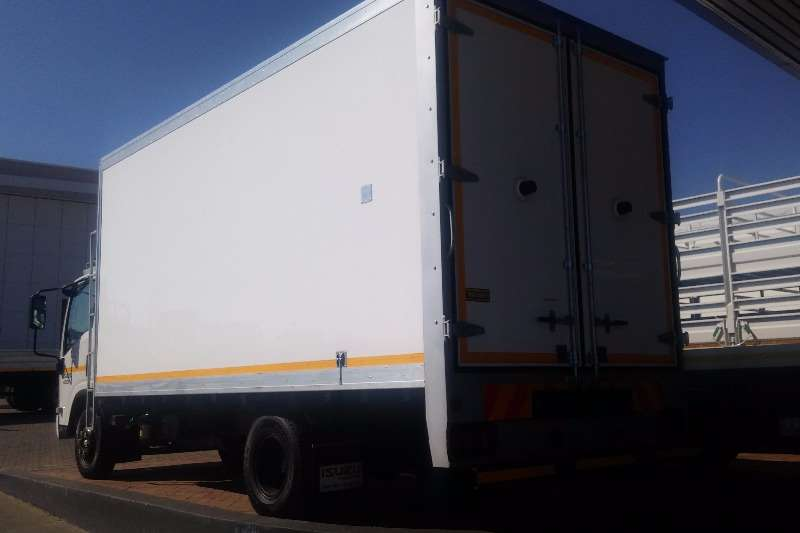 Isuzu Fridge truck NPR 400 AMT Fridge Meat Hanger Demo Truck