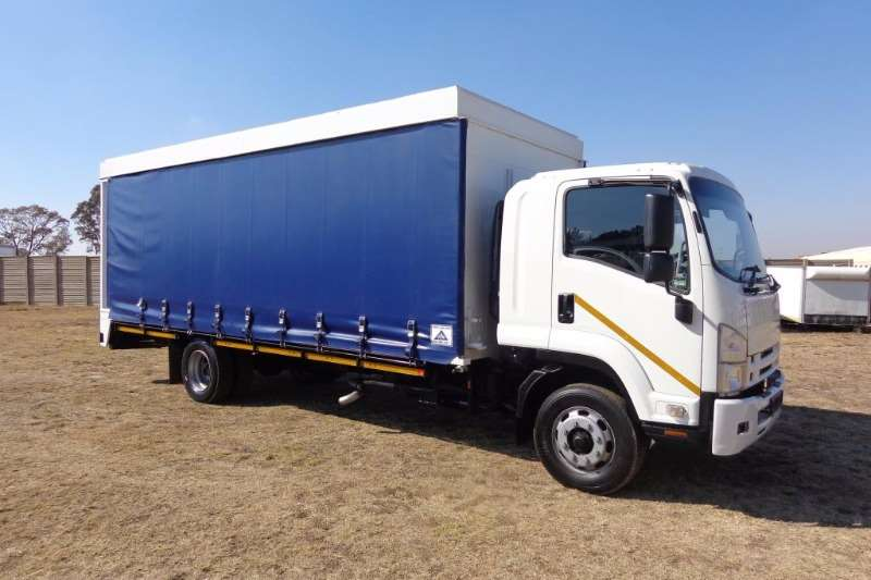 Truck Isuzu FSR-800  CURTAIN SIDE 2011
