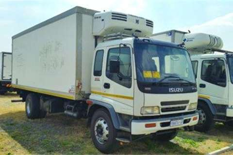 Isuzu FTR 800 fridge Unit Thermoking MD 200- Truck