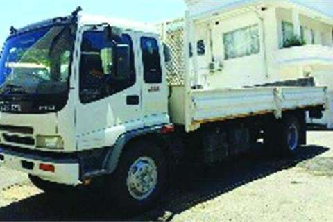 Isuzu FTR800- Truck