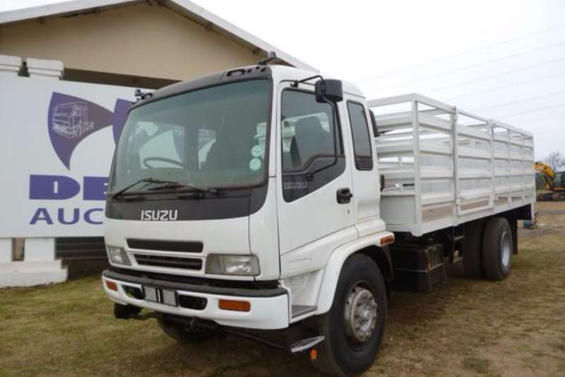 Truck Isuzu FTR800 with Cattle Sides 2009