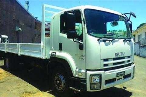 Isuzu FTR850- Truck