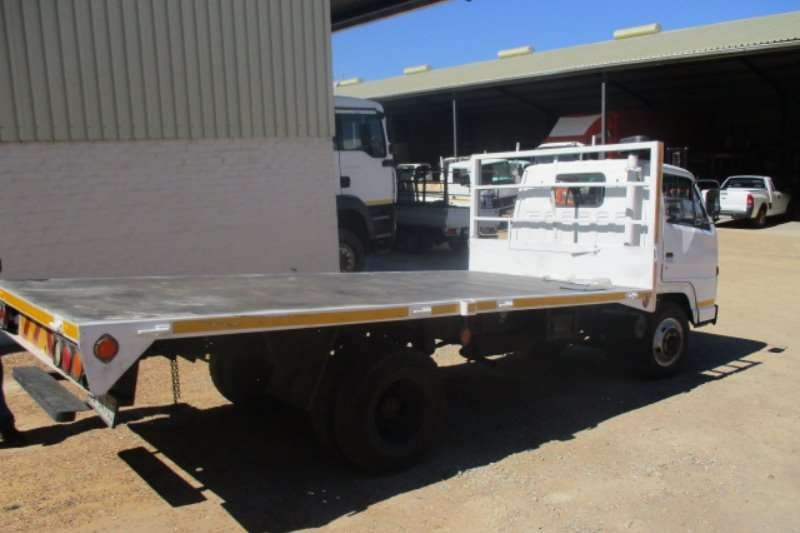Isuzu NKR Truck