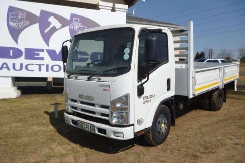 Truck Isuzu NMR 250 with Drop Side 2016