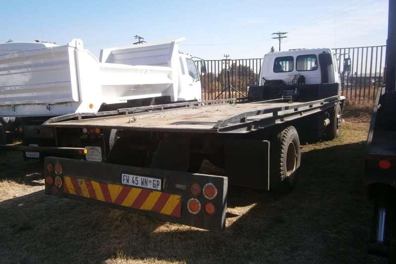 Isuzu Roll back 700 Truck