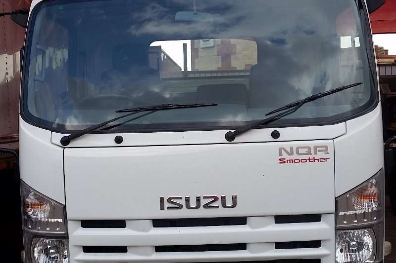 Isuzu Roll back Isuzu NQR Smoother Truck