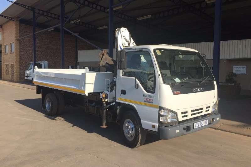 Isuzu Tipper NQR 500 Tipper with Bonfiglioli P5000L Crane Truck