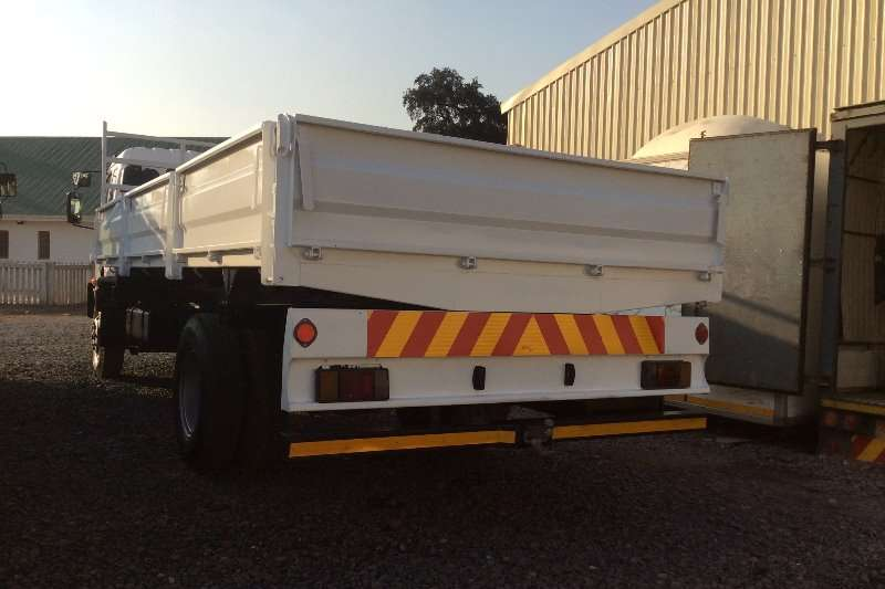 Isuzu Tipping body FSR700 Side Tipping Body with Dropside Doors Truck
