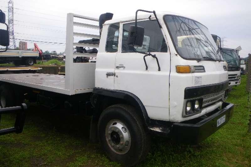Truck Isuzu Van body 7 ton Box Body Clean and neat 1984