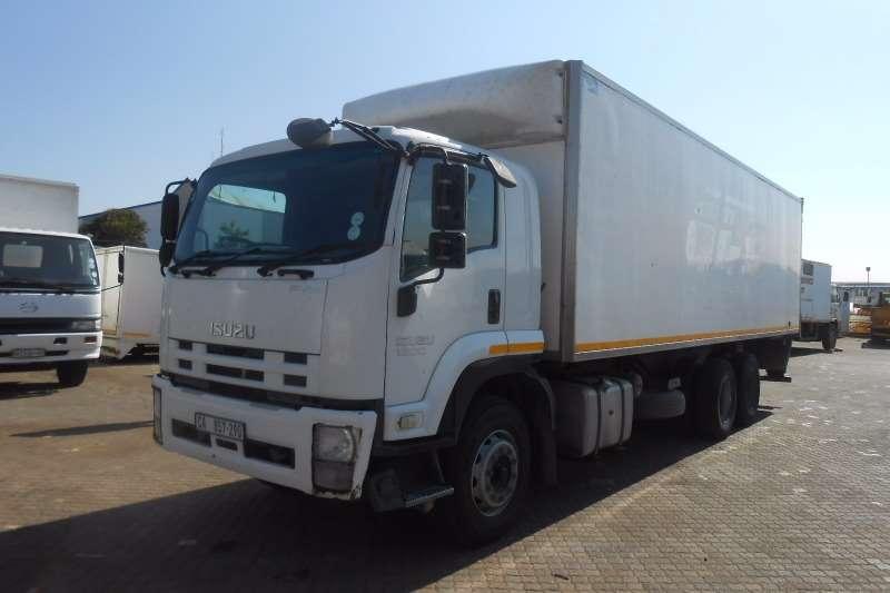 Isuzu Van body ISUZU FVM 1200 6 X 2 VAN BODY WITH TAIL LIFT Truck