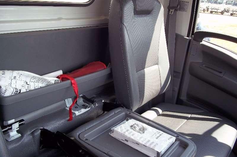 Isuzu Van body NPR 400 Truck