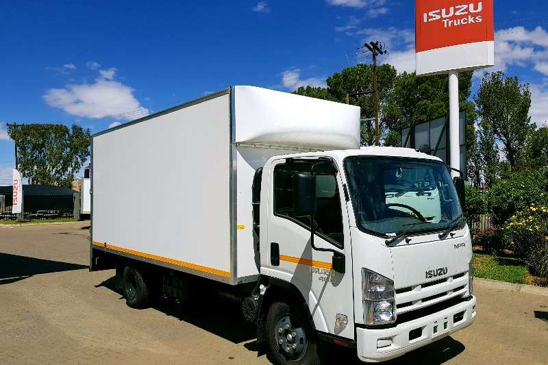 Isuzu Van body NPR400 Semi Insulated Van Body Truck
