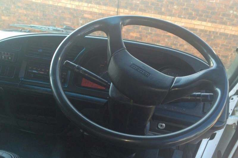 Isuzu Volume body FTR800 Truck