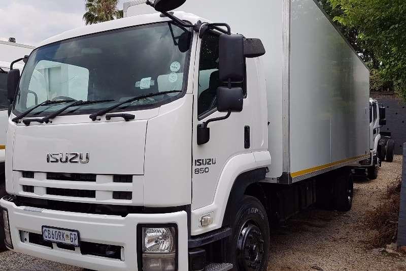 Isuzu Volume body FTR850 AMT Truck